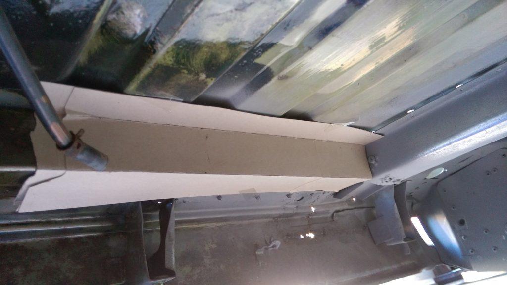 厚紙で型を作る